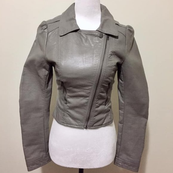 🍒3/$15🍒H&M Gray Faux Leather Jacket